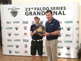 Vítěz Arron Edwards-Hill a sir Nick Faldo